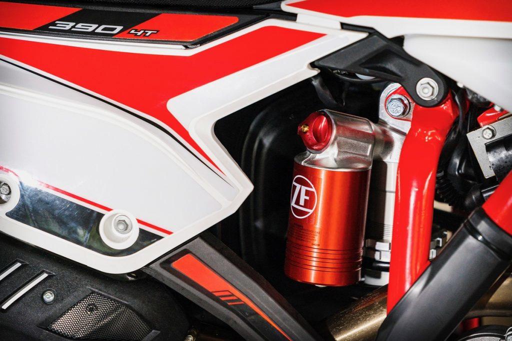 Обзор на Beta RR 390 от австралийского журнала Dirt Bike, изображение №3